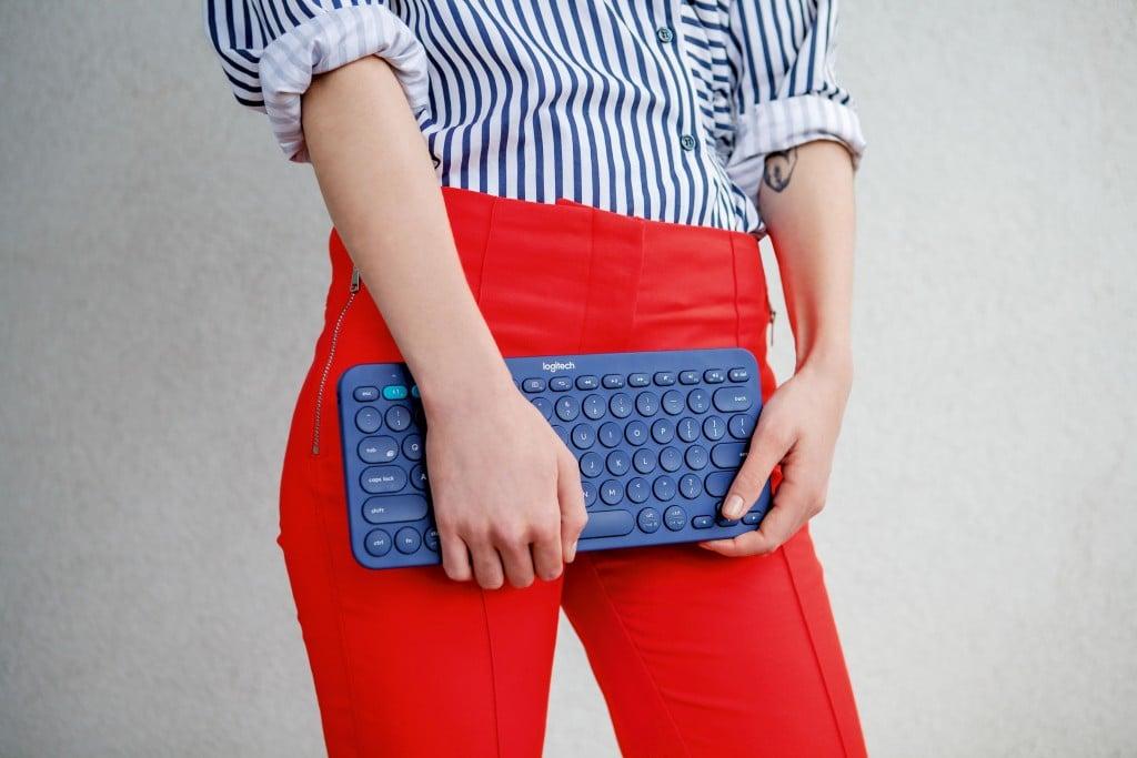 jpg-300-dpi-rgb-k380-keyboard-lifestyle-57